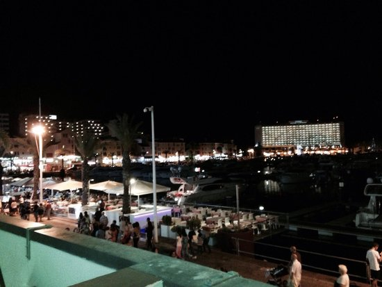 Dom Pedro Marina: Marina at night