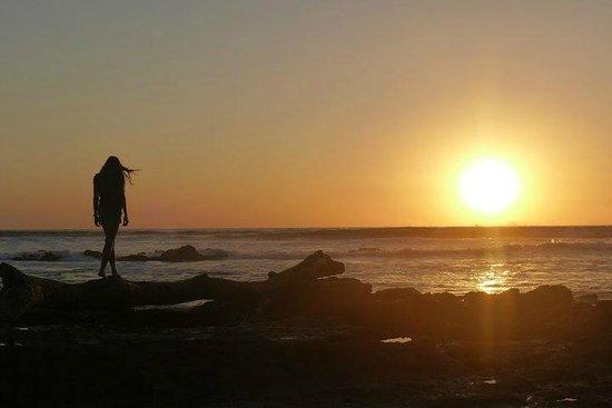 Playa Santa Teresa : Puesta de Sol Impresionante