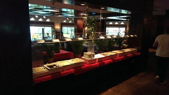 Sheraton Abu Dhabi Hotel & Resort: Az étterem