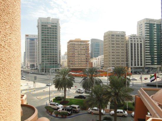 Sheraton Abu Dhabi Hotel & Resort: Kilátás a szállodából a városra