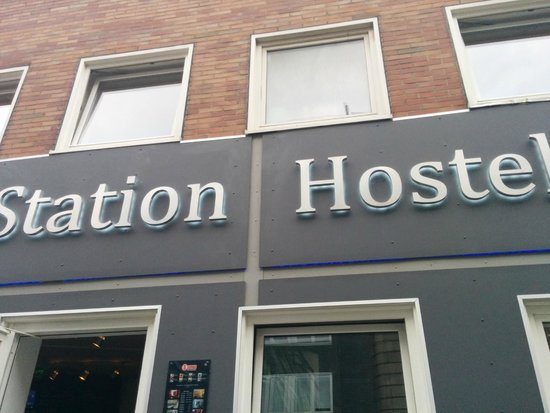 Station Hostel for Backpackers: da fuori
