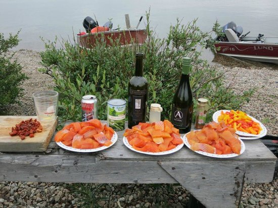 Peterson's Point Lake Lodge: Shore Lunch Ingredients at Point Lake
