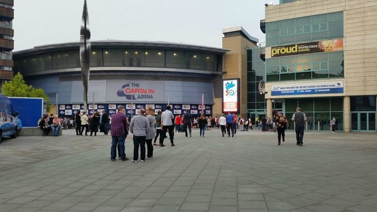 Motorpoint Arena Nottingham: Outside