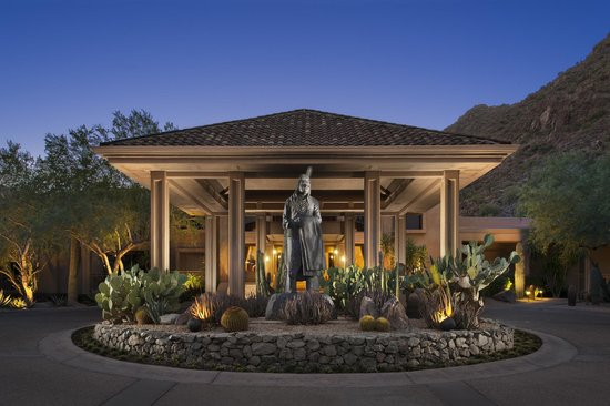 The Canyon Suites at The Phoenician: Canyon Suites Porte Cochere
