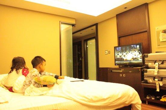 Radisson Blu Hotel, Dubai Media City : Average room