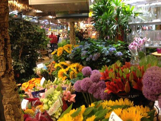 The Albus: Floating flower market, just around the corner