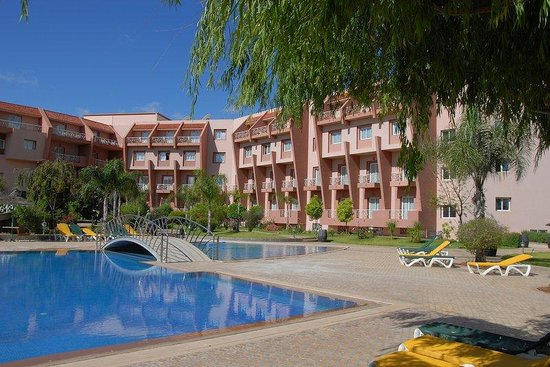 Hotel Menzeh Dalia : Swimming Pool