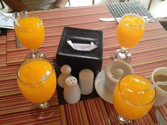 Microtel by Wyndham Boracay: 1st day breakfast