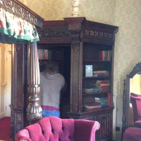 Coombe Abbey Hotel: Bathroom Hidden Behind Secret Door In Bookcase