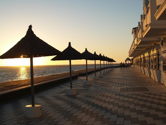 Hotel Playa de la Luz: Sunset from the beach terrace