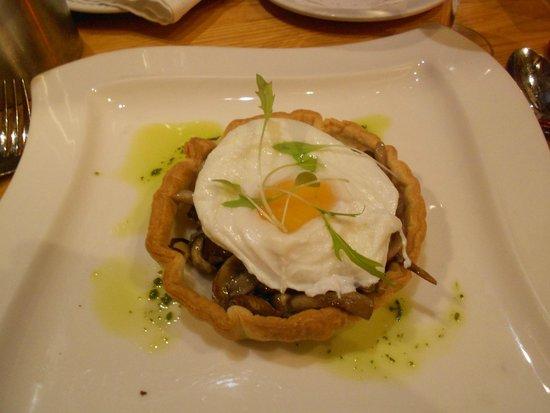 Starter of Woodland mushroom tart at Wheatsheaf Inn