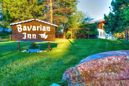 Bavarian Inn: East Entrance to the complex, Vintage Sign