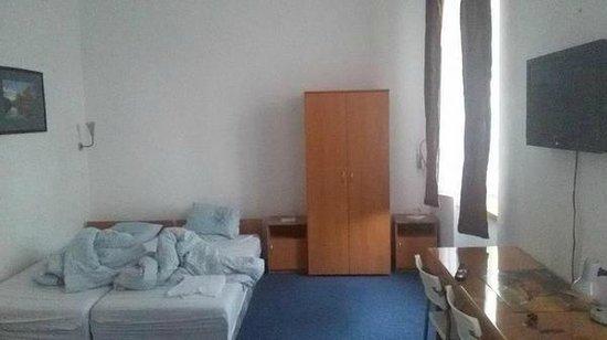 Ami Hotel: camera