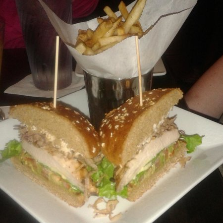 Dave & Buster's: Boss Chicken Sandwich