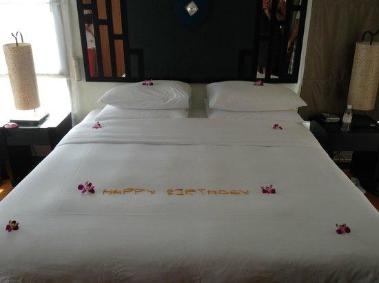 Angsana Villas Resort Phuket: Birthday floral arrangement