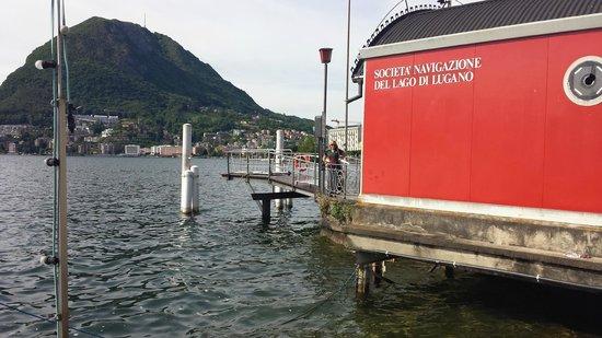 Lugano Dante Center Swiss Quality Hotel: Lago de Lugano com vista para o que eles comparam ao Pão de Açúcar.