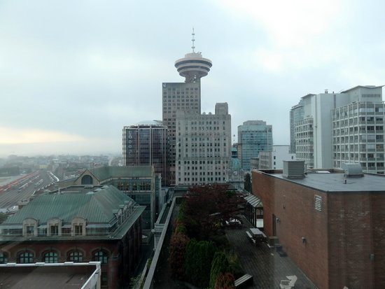 Auberge Vancouver Hotel: View from room