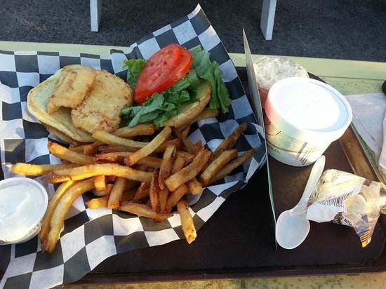 Beal's Lobster Pier: Fish sandwich, fries & soup.