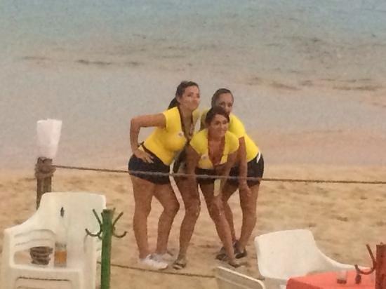 Mango Deck: waitress trio posing