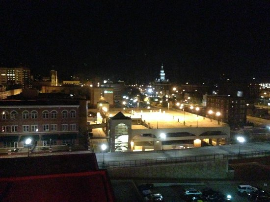 Hotel Julien Dubuque: View from the Corner Suite