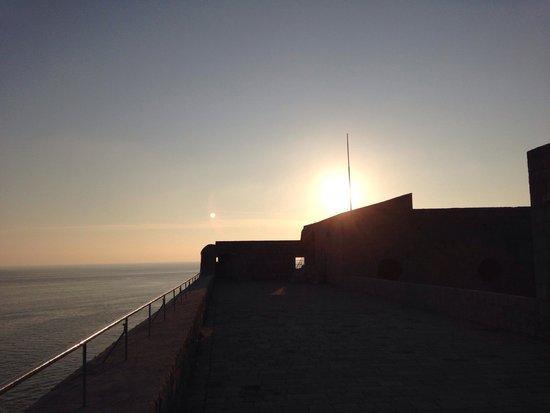 Fort Lovrijenac: 夕暮れ時
