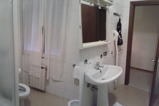 Reiter Hotel : huge bathroom
