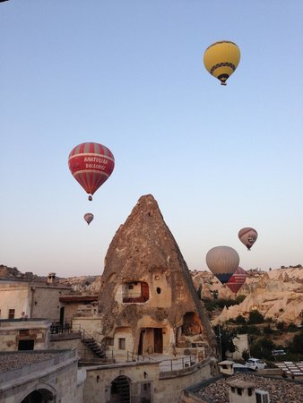 Kelebek Special Cave Hotel: Kelebek is a great place to watch the balloons in the morning!