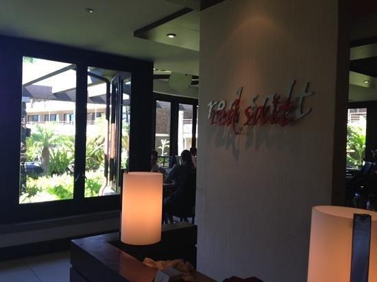 Red Salt: restaurant entrance