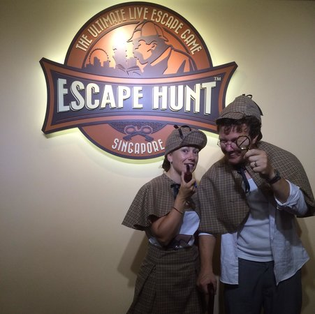 Merveilleux The Escape Hunt Experience Singapore: Dr Watson I Presume.