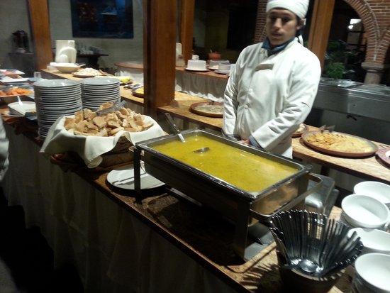 Alhambra Hacienda Restaurant: ready to serve you