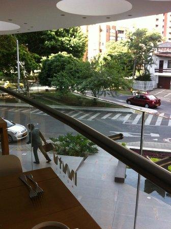 Inntu Hotel Medellin : Vista desde el area de desayuno