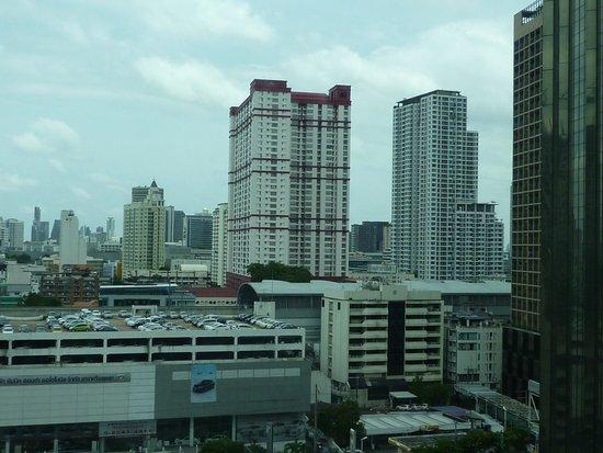 Pullman Bangkok King Power: outside the room