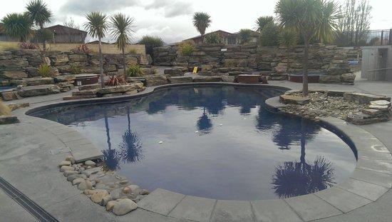 Oakridge Resort Lake Wanaka: Rock pool!