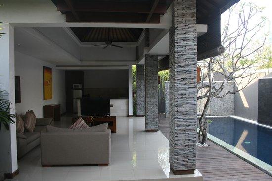 The Wolas Villas & Spa: Open plan living room