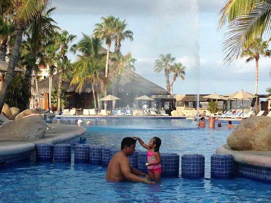 Paradisus Los Cabos: This is a shot of my kid in the wading pool, off to the side, but not away from everything.