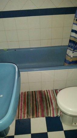 Bura Surfhouse: Bathroom