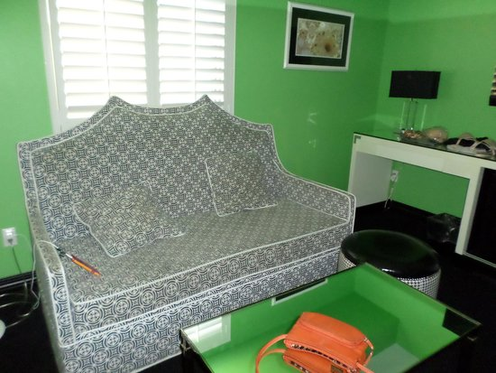 El Cortez Cabana Suites: Room For a Couch, Desk and there's another Big Chair