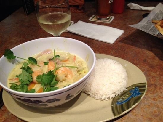 Loco Jo's Bar and Grill: Lemongrass curry shrimp