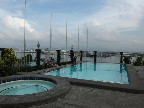 Hotel Cesario: roof pool