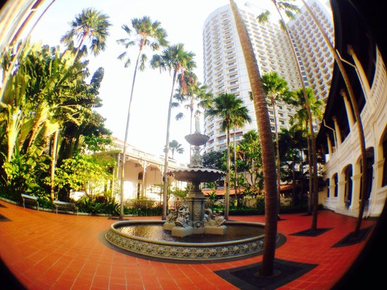 Raffles Hotel Singapore: ...