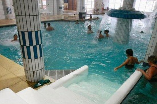 Espace cure thermale picture of thermes de salies de for Piscine les thermes luxembourg