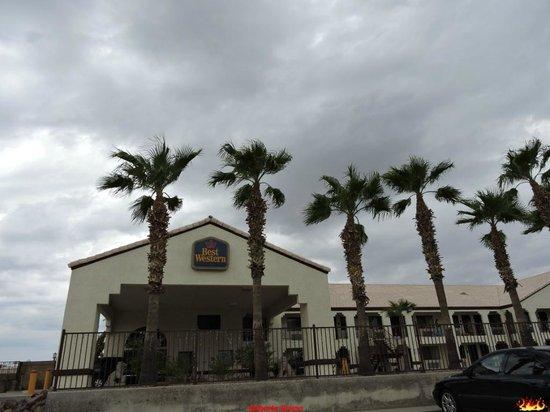 Best Western Colorado River Inn: Esterno e insegna