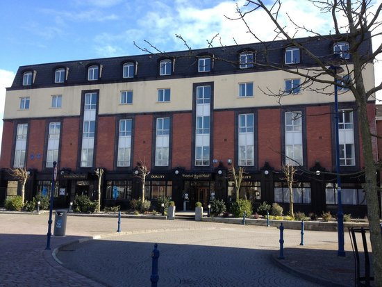 Waterford Marina Hotel: Beautiful sunny day