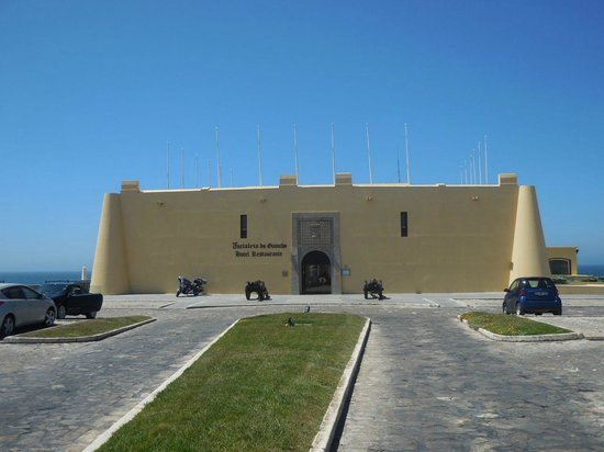 Fortaleza do Guincho : The hotel seen from the land side - Converted Fortress