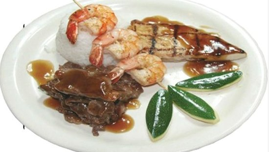 Tante's Island Cuisine : Island Mixed Plate, Served with your choice of Steamed Rice, Seasoned Fried Rice & Mashed Potato