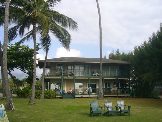 Hotel Coral Reef Office Building