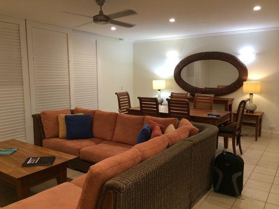 Mandalay & Shalimar Luxury Beachfront Apartments: Kitchen #16