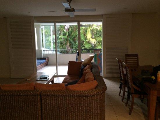 Mandalay & Shalimar Luxury Beachfront Apartments: Lounge #16