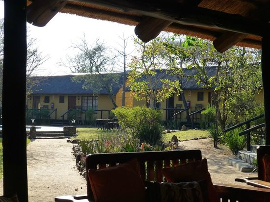 Thornhill Safari Lodge: view from the dining and bar area