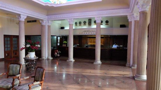 Riverside Hotel Saigon: ロビーの造りはよい